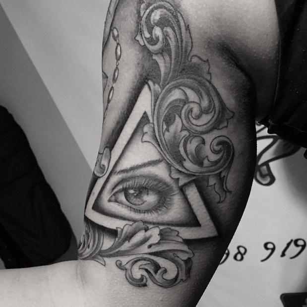 Тату глаз в треугольнике – фото лучших готовых татуировок