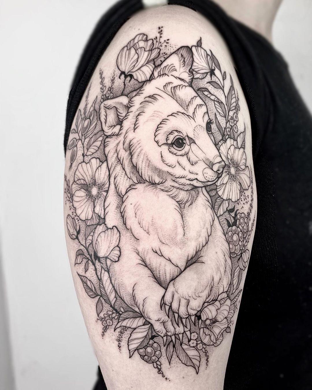 мультяшный медведь татуировка