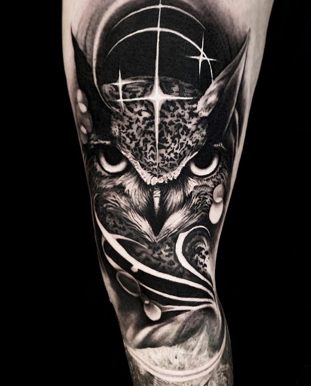модная татуировка совы