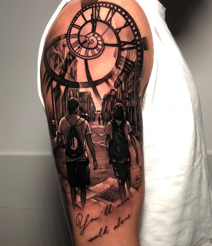 татуировка времени на руке