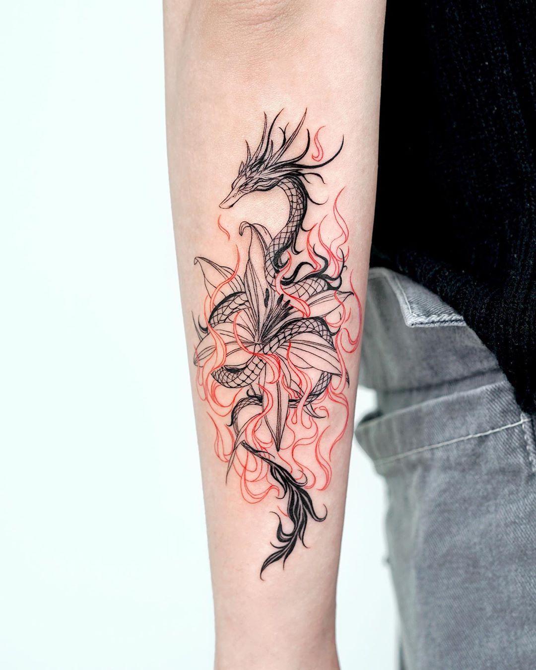 стильне татуювання дракона