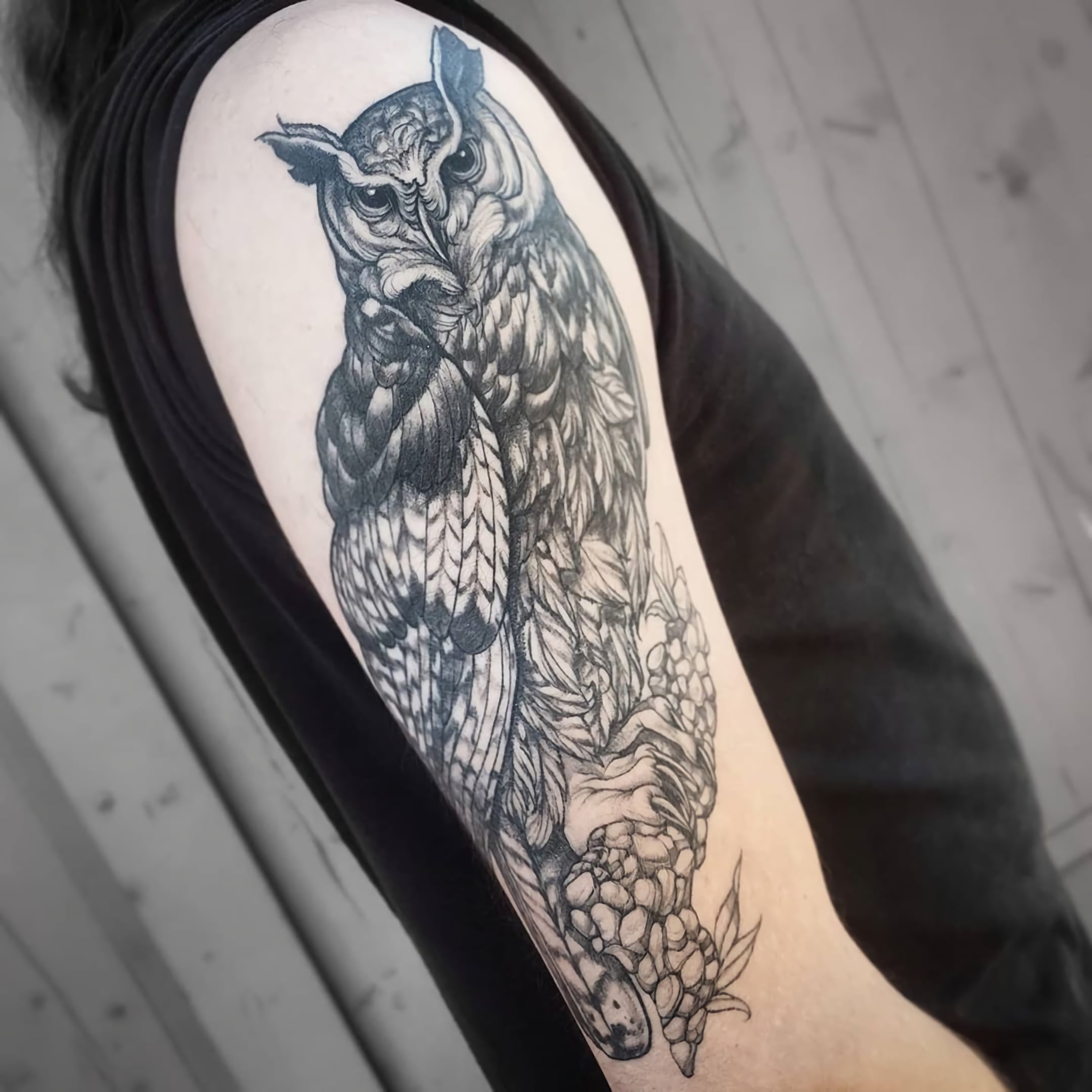 красивое тату совы на руке