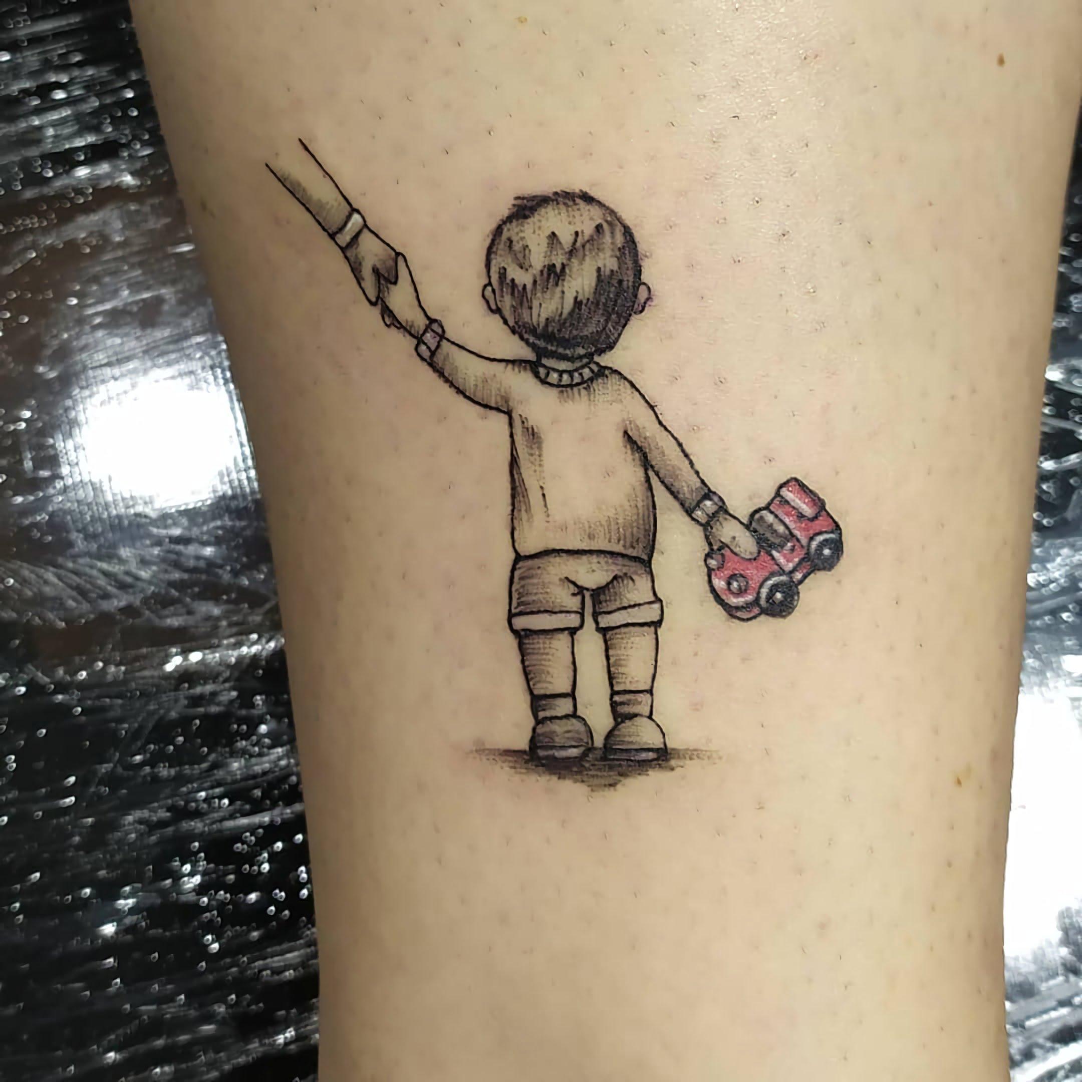 классное тату ребенка на руке