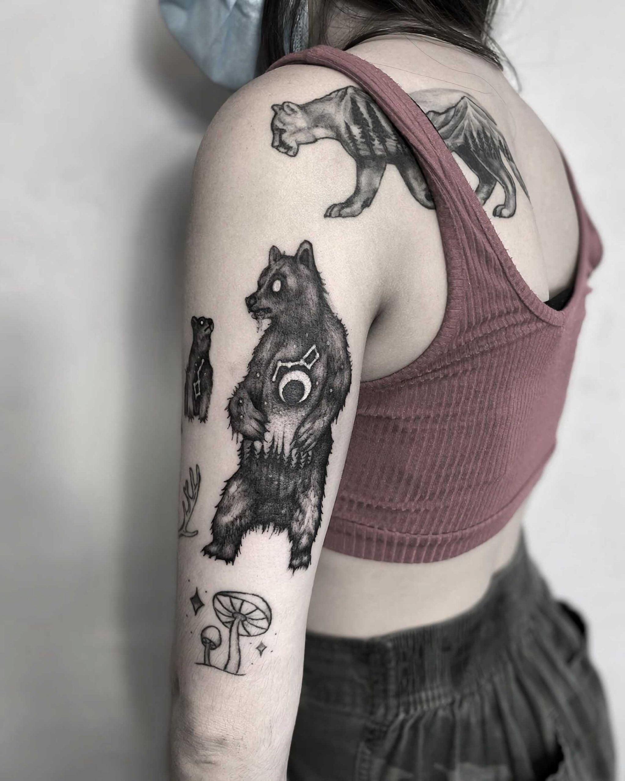современное тату медведя на руке