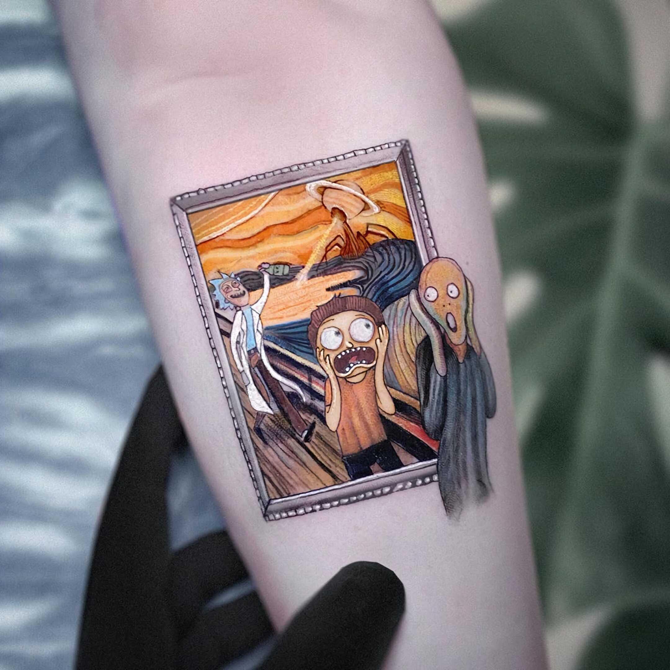 стильная цветная татуировка рика и морти на руке