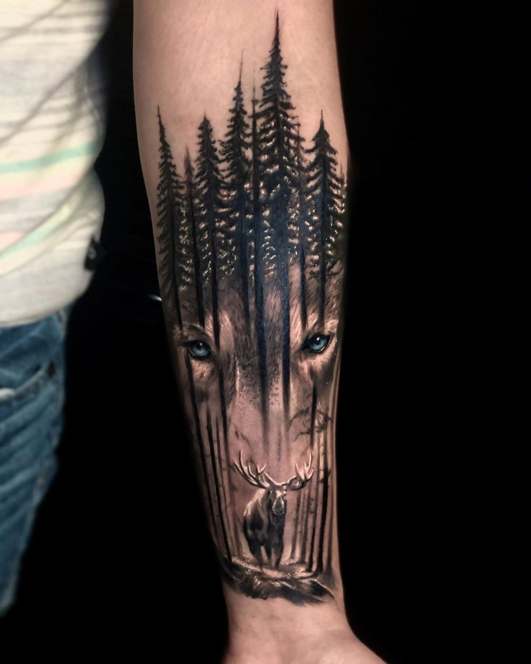 стильная татуировка леса с изображениями волка и животных