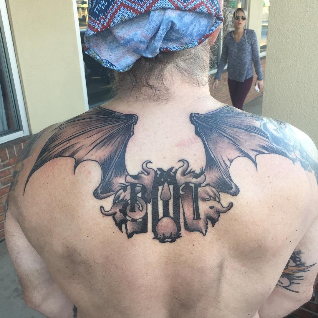 татуировка летучей мыши