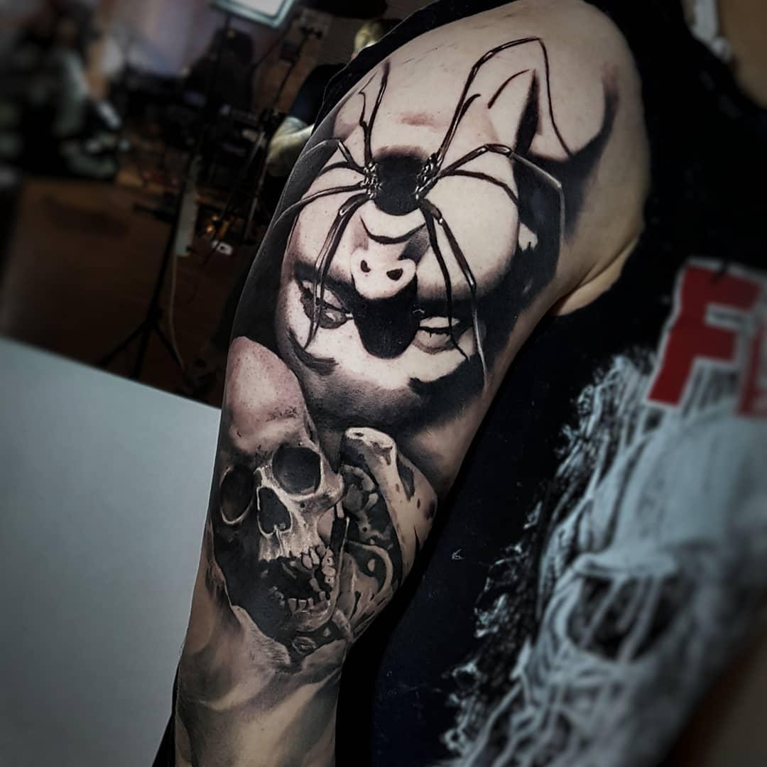 татуювання черепа і павука