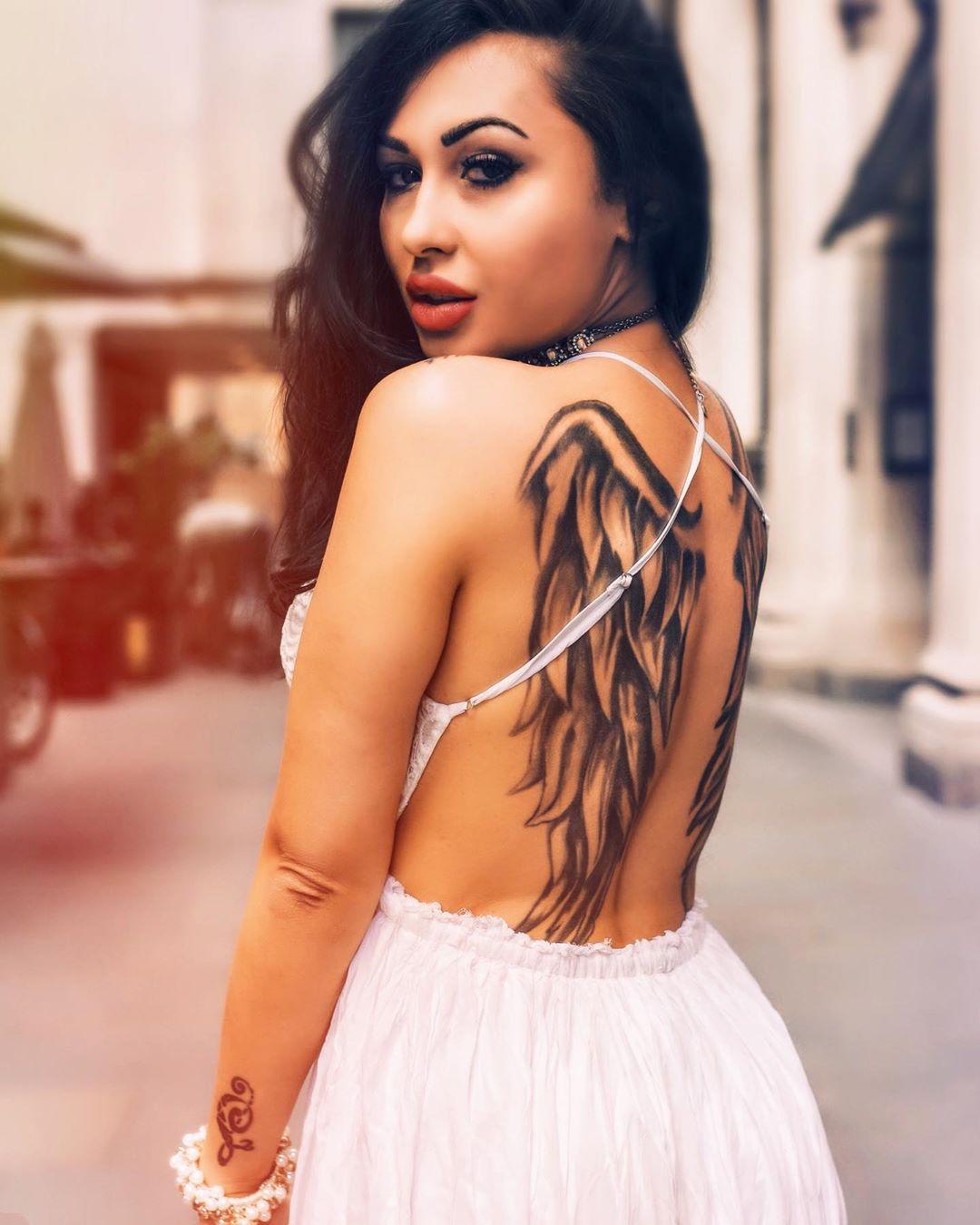 красиве татуювання крил