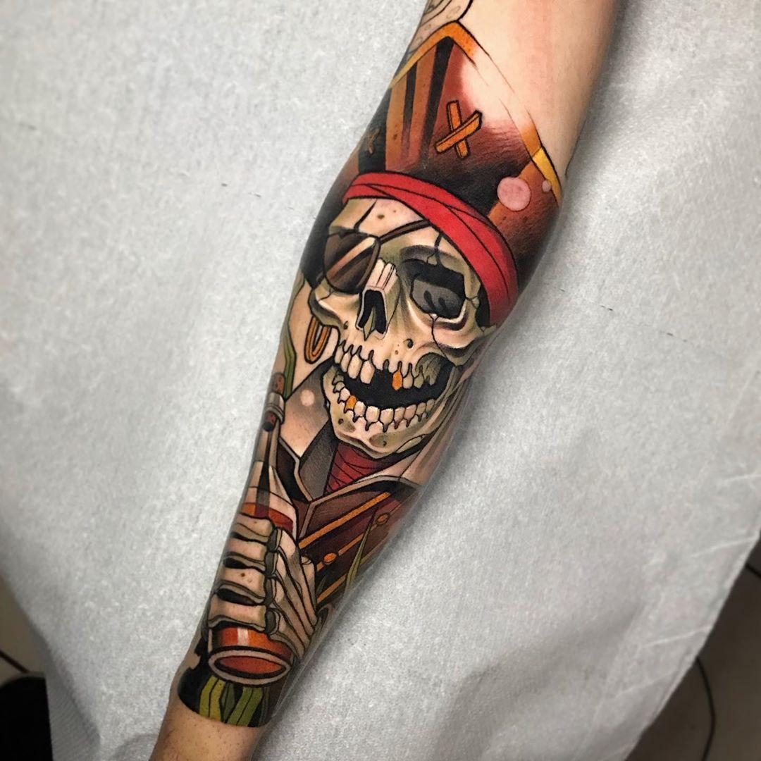 татуировка черепа пирата