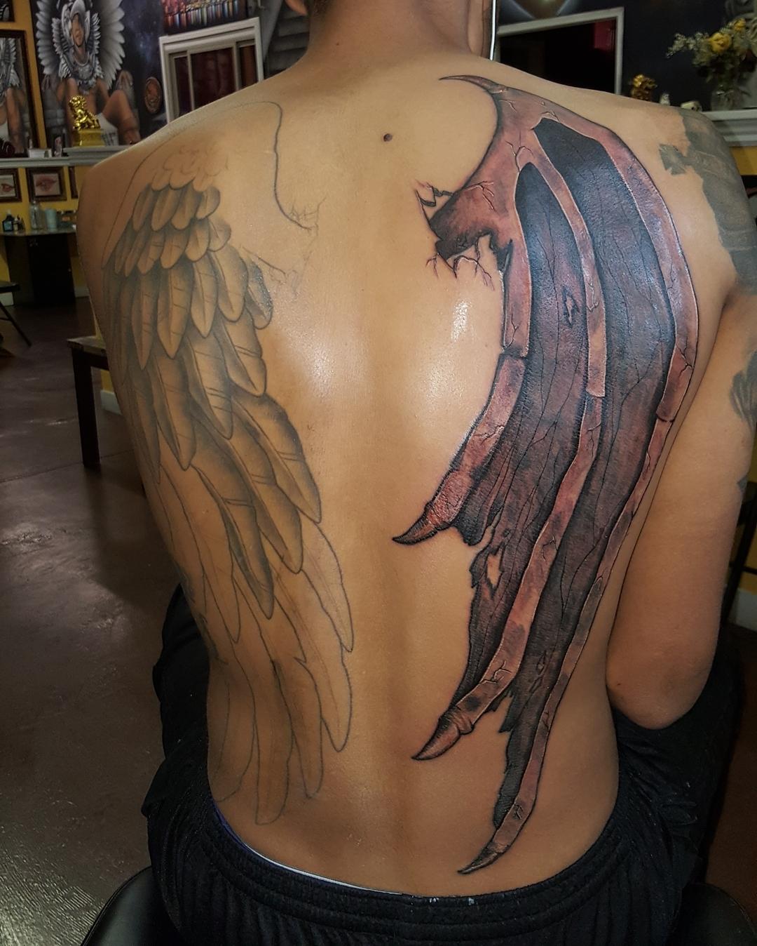 крылья ангела и демона тату