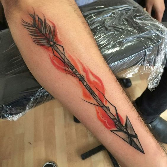 татуировка мужского рукава со стрелой