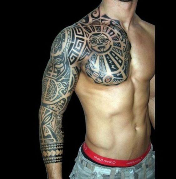 татуювання ацтеків на рукаві і грудей