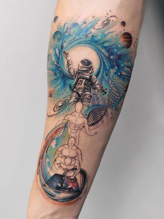 тату абстрактного астронавта для мужчин
