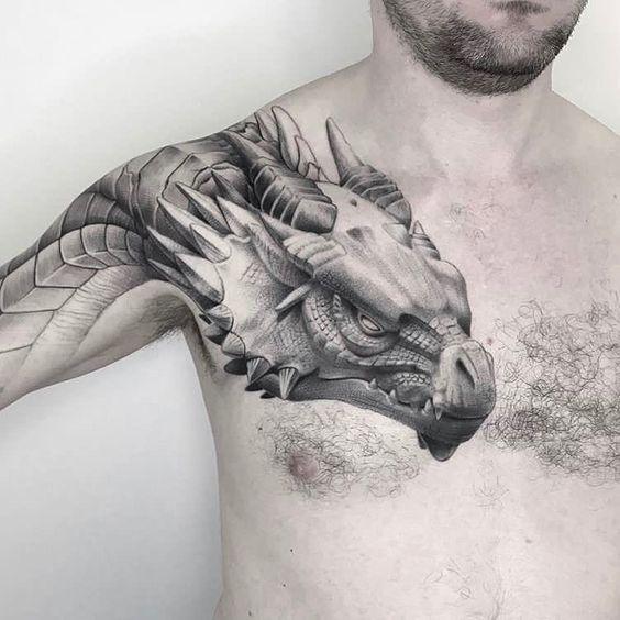 татуювання дракона на грудях для чоловіків