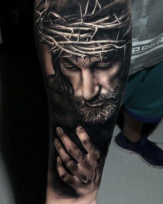 Татуировка рукава с Иисусом