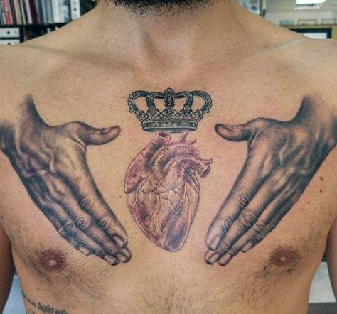 тату серця на грудях