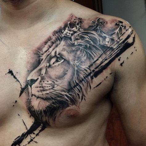 лев з короною на грудях
