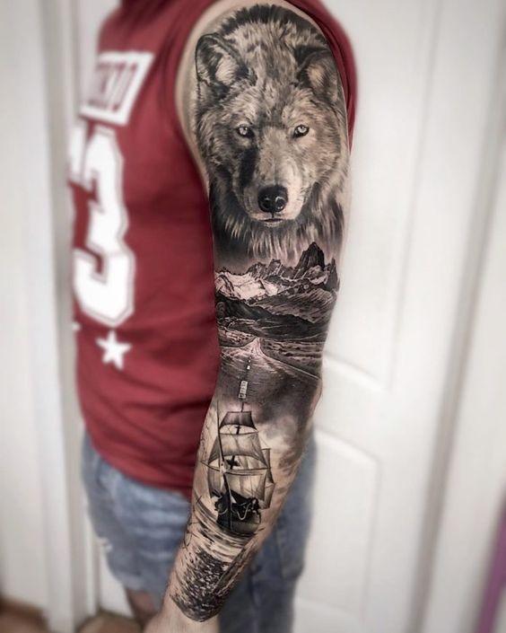 татуировка полного рукава с волком