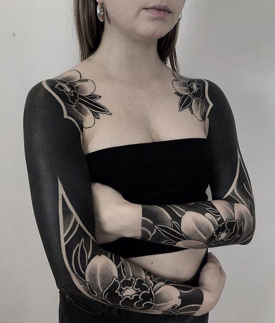 черные рукава в стиле блэкворк