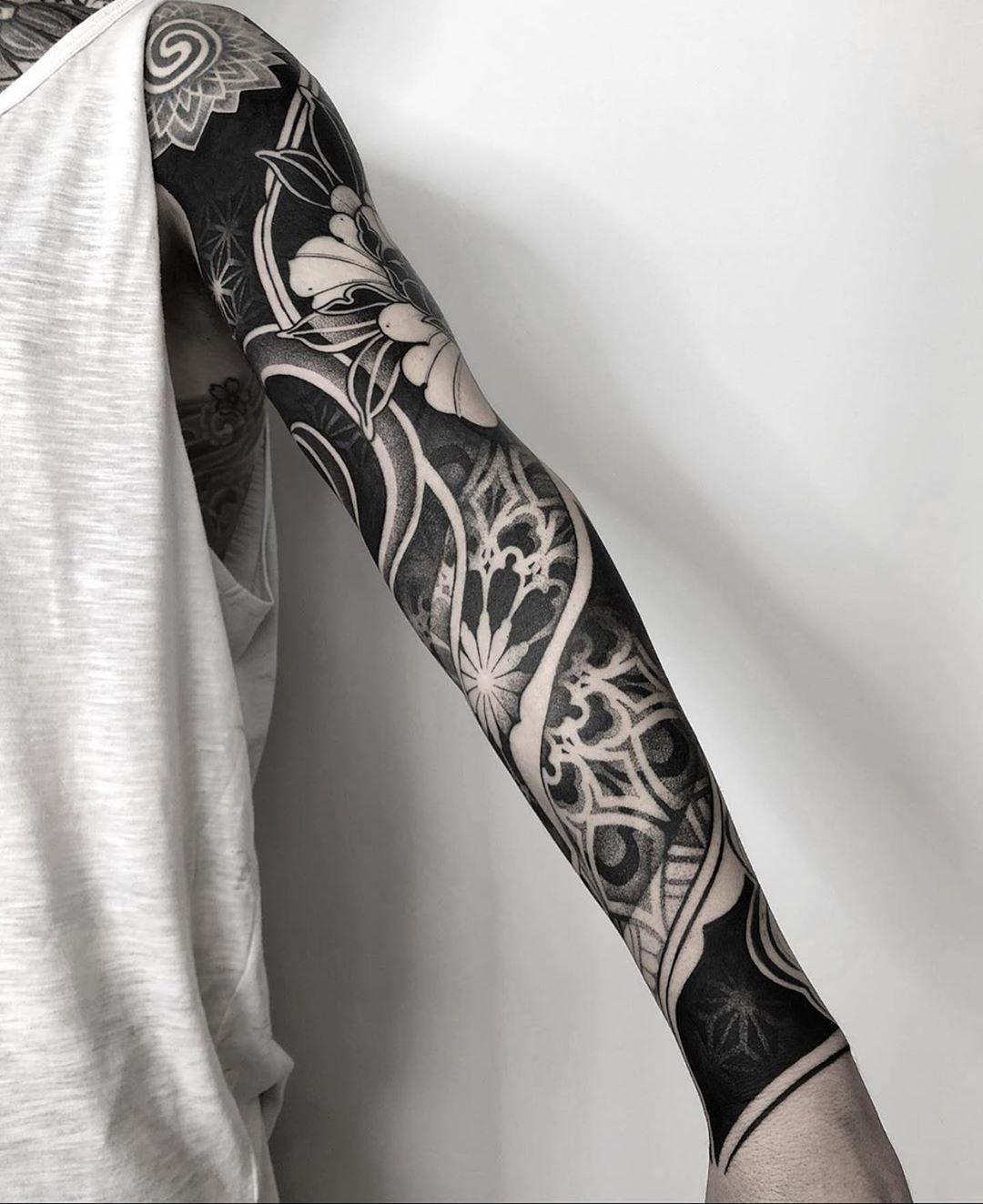 красивий рукав в стилі блекворк