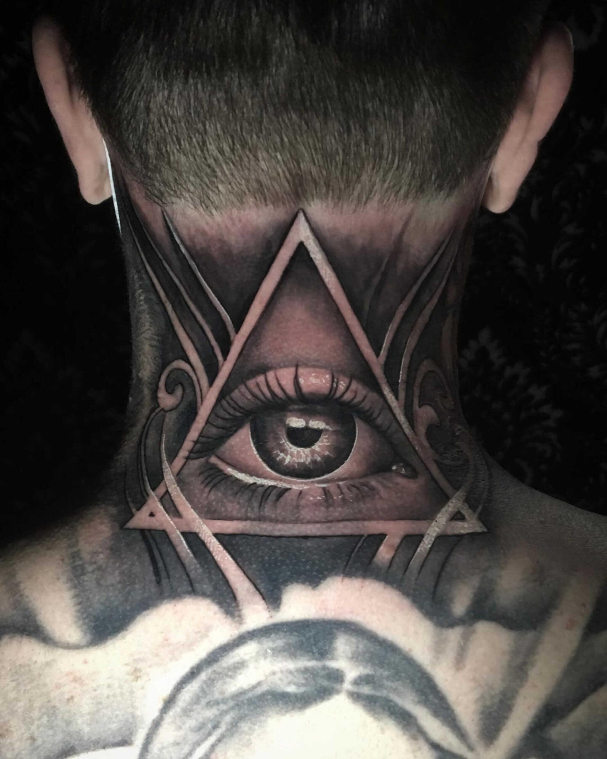 тату всевидящего глаза не шее