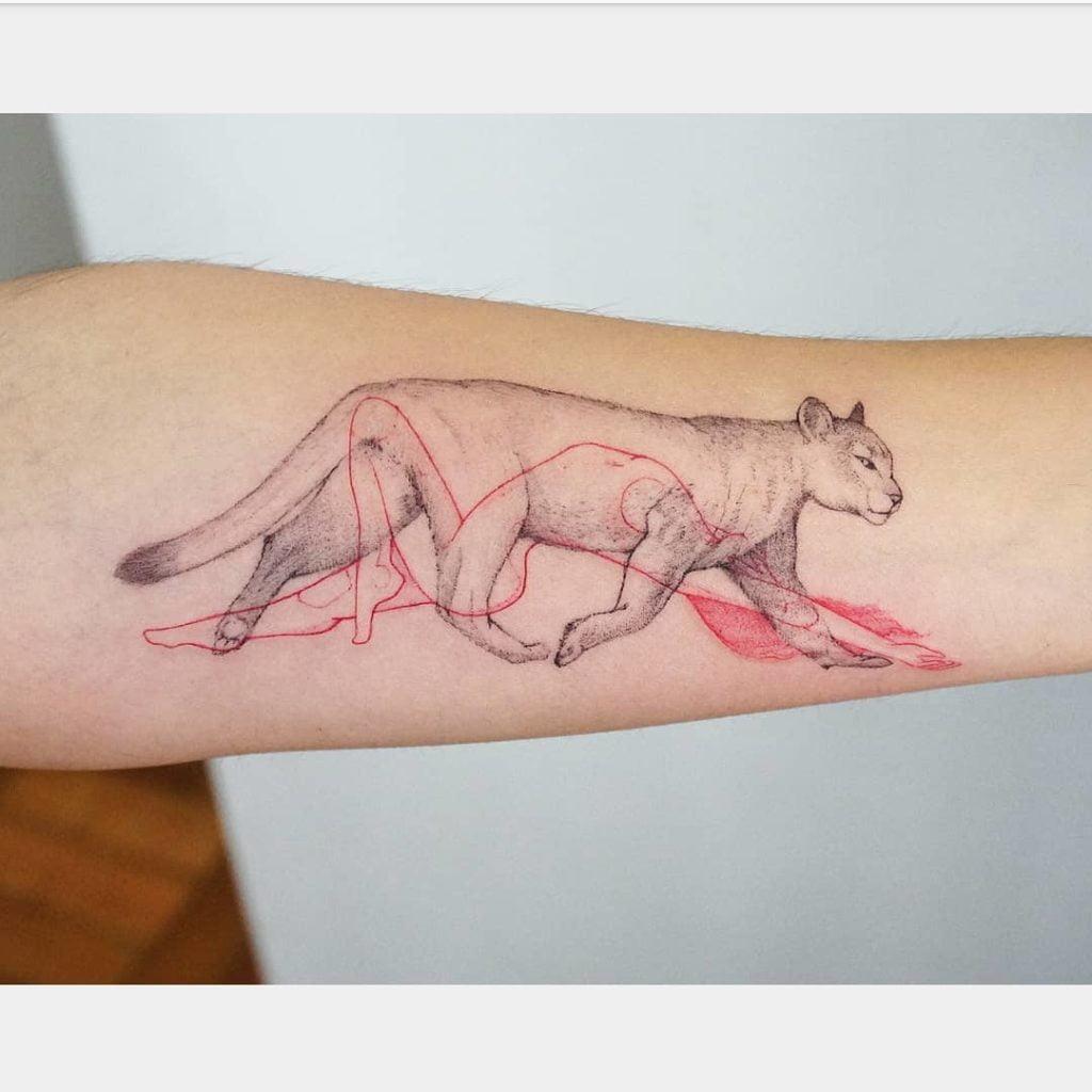 символическая татуировка на руке для девушек