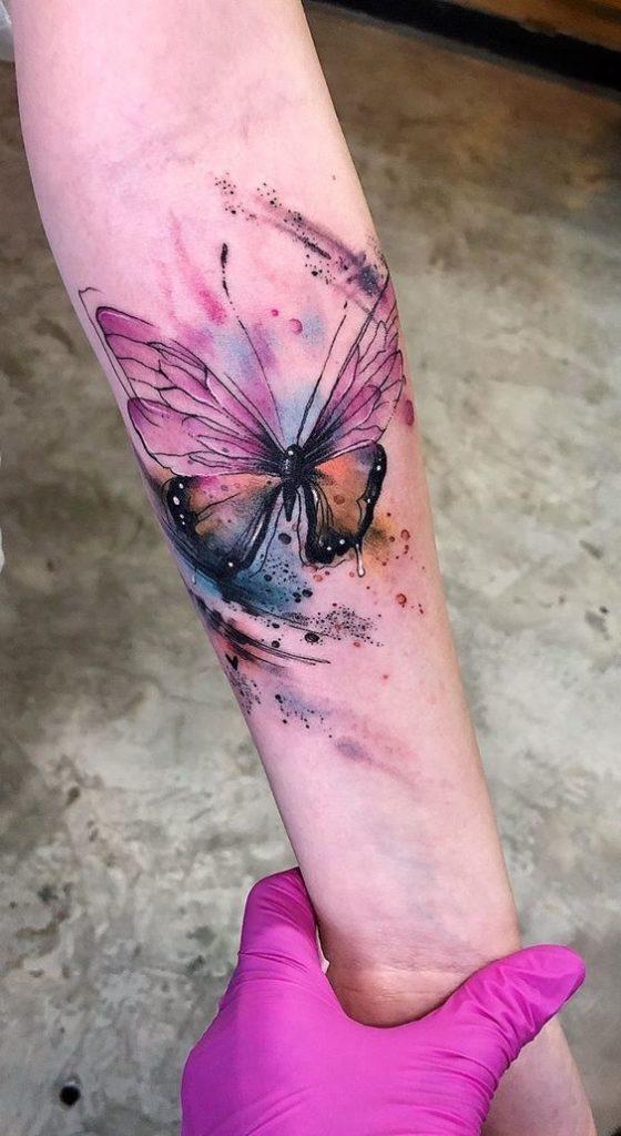 тату акварельного метелика на руці