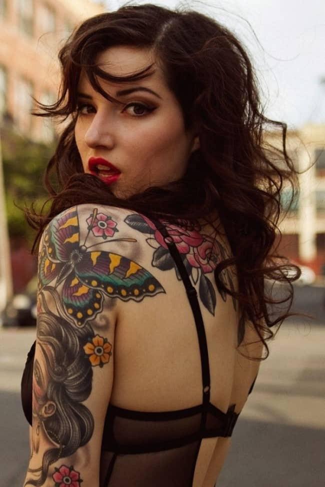 татуировка бабочки для девушек на предплечье