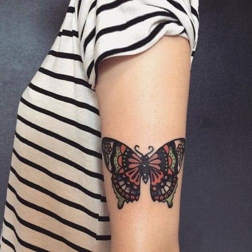татуировка бабочки на руке