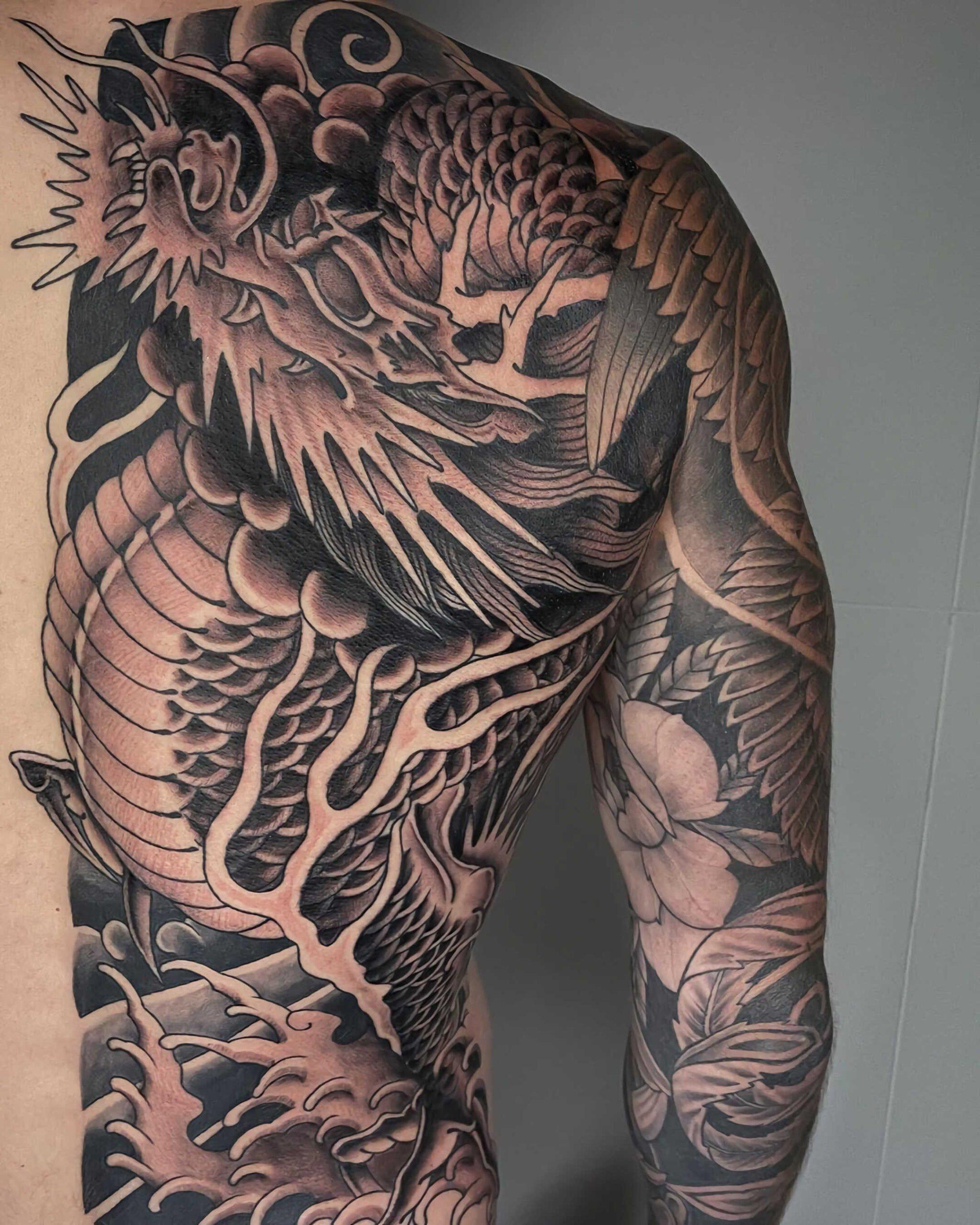 стильное тату дракона для парней