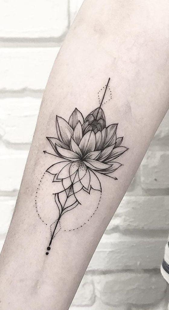 геометрическая татуировка лотоса