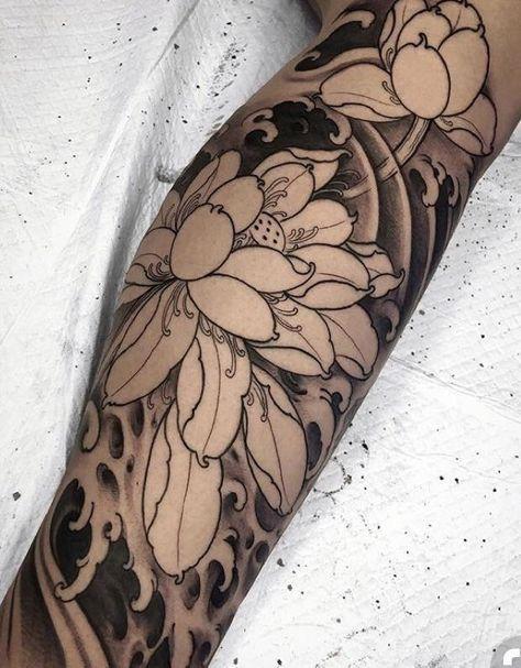 татуировка лотоса на руке