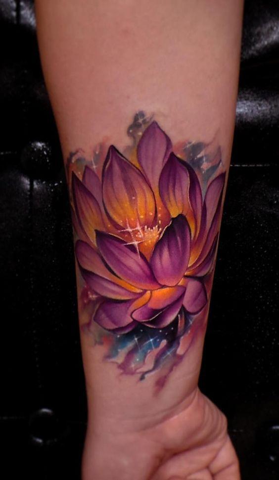 красивая татуировка лотоса