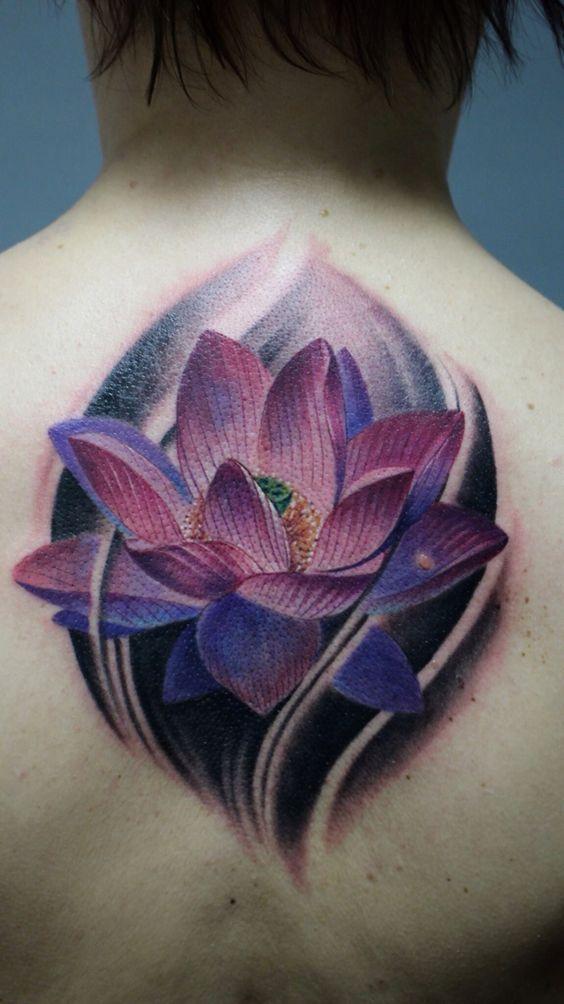 красочная татуировка лотоса