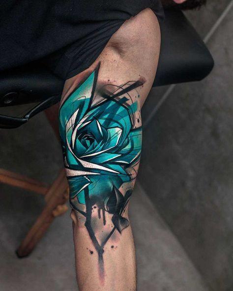 тату голубой розы на руке