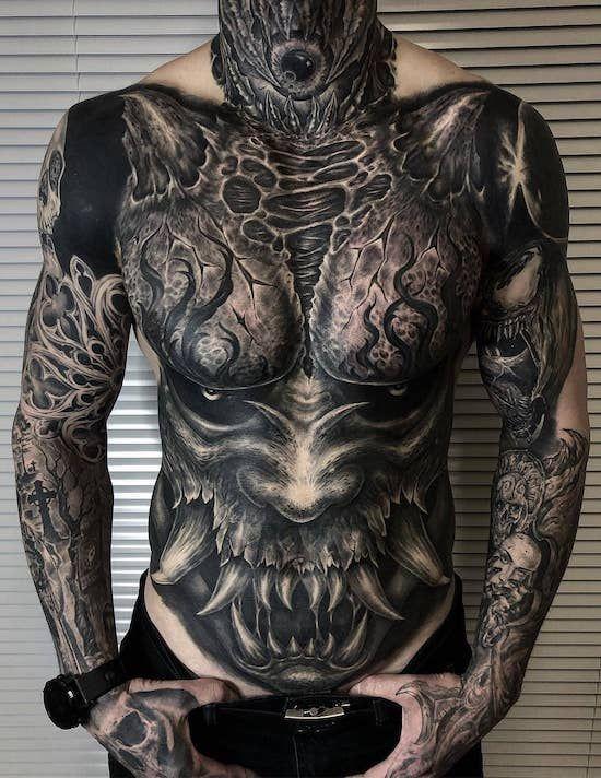 чоловіче татуювання в японському стилі