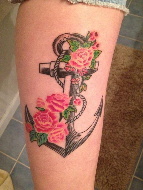 татуювання якоря і троянд