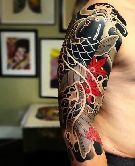 татуювання карпи коі на руці