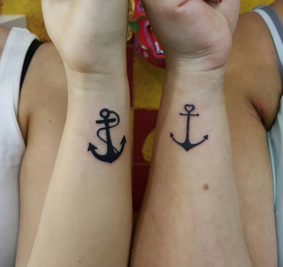 парне татуювання якоря