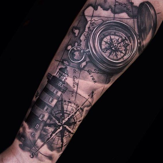 татуировка маяка и компаса для мужчин