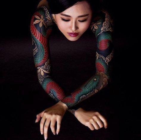 женский рукав в японском стиле со змеями