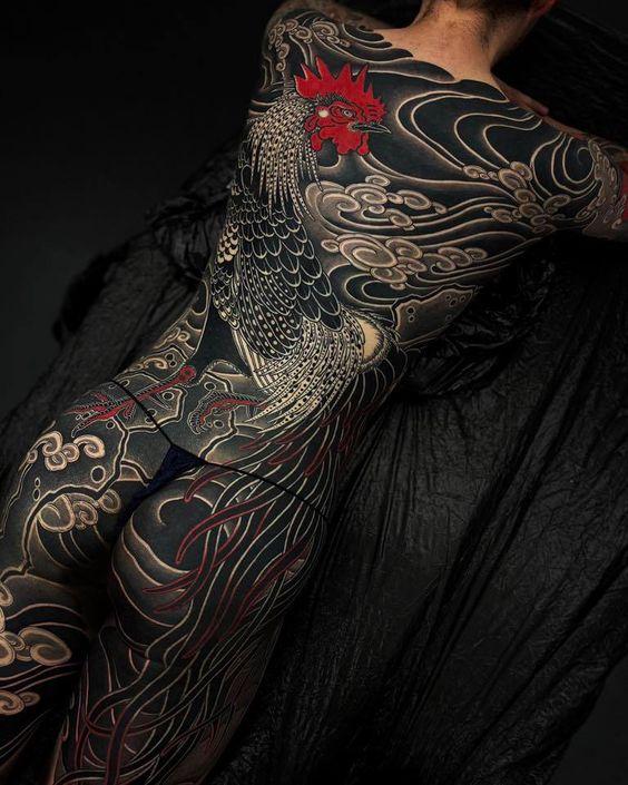 женская татуировка в японском стиле на все тело