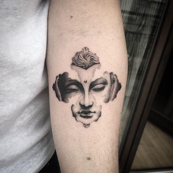 женская татуировка Будды на руке