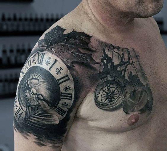 татуировка часов на плече