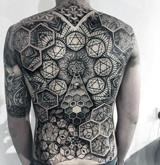 тату геометрія на спині