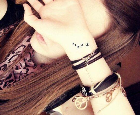 боковая татуировка на руке