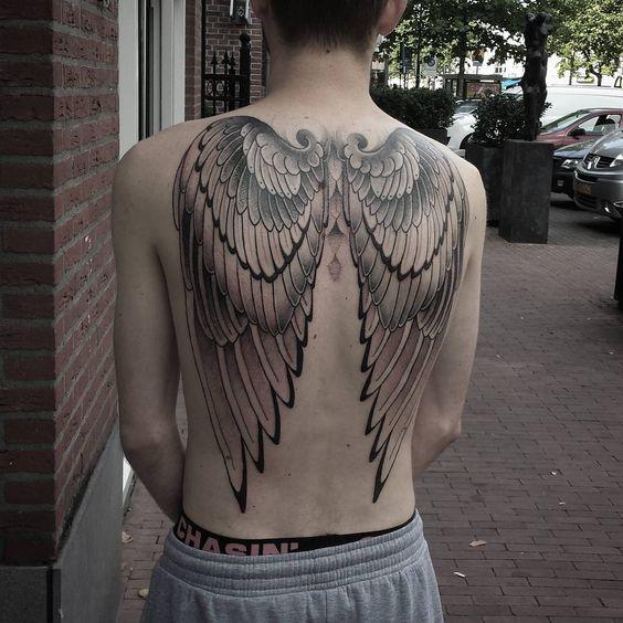 тату крил на спині