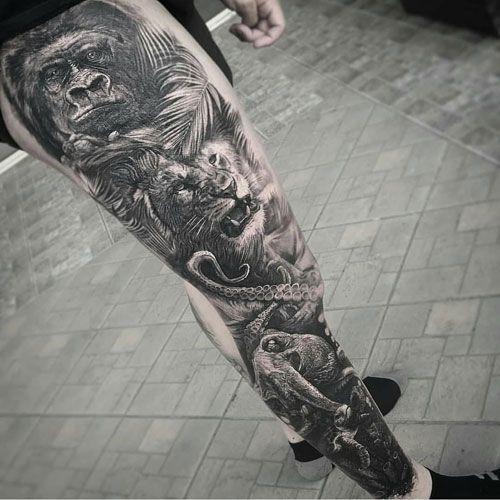 чоловіче татуювання тварин на нозі