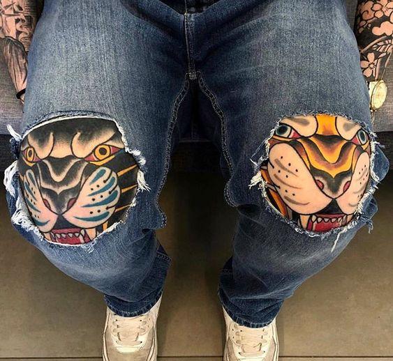 тату на нозі в японському стилі